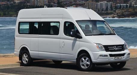 V80 Minibus